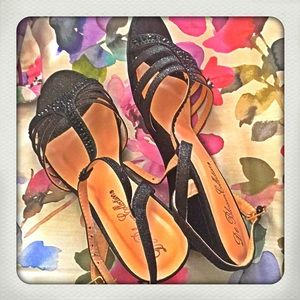 Shoes - Open toed wedge sandals